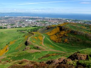 Arthur's Seat from the top. This is the angle that doesn't show all of the tourists around us.