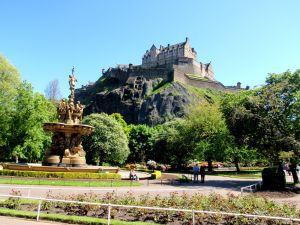 Obligatory shot of Edinburgh Castle